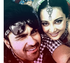 Aarya Babbar and Minissha lamba in Heer & Hero. - Pic 2