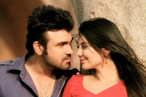 Aarya Babbar and Minissha lamba in Heer & Hero. - Pic 4