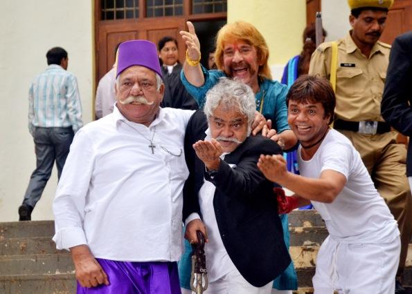 Om Puri, Sanjay Mishra, Razzaq Khan and Raajpal Yadav in Hogaya Dimaagh Ka Dahi